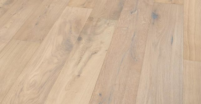 1204427-forest-brushed-smoked-white-oiled-rg+-persp